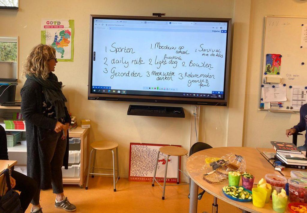 BAAS op school Alie Klompmaker van KEaRN in de klas